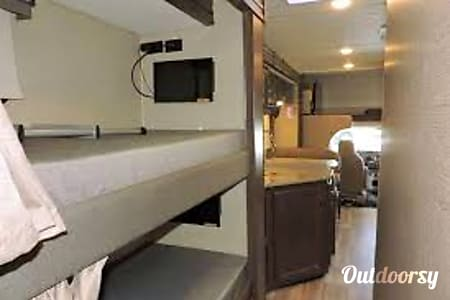2018 Thor Four Winds Bunkhouse  Rancho Santa Margarita, California
