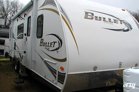 02011 Keystone Bullet Ultra Lite  Round Rock, TX