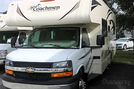 2017 Coachmen Freelander  Commerce Charter Township, Michigan