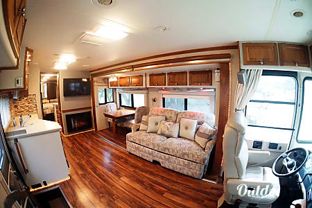 2004 Tiffin Motorhomes Allegro Bay  Miami, Florida