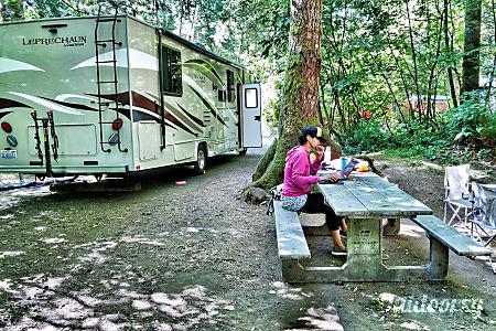 2017 Coachmen 32' - Sleeps 8  Camas, Washington
