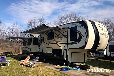 02017 Jayco Northpoint 377RLBH  Bellaire, Michigan