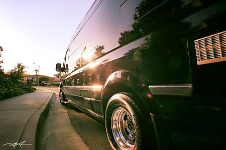 0WINTERIZED* Luxury Mercedes Airstream - can deliver and pickup in Los Angeles area with advance notice.  Los Angeles, California