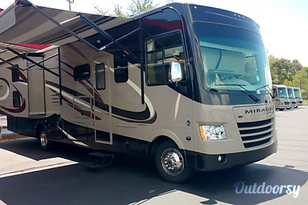02018 Coachmen Mirada 34BH  Winter Garden, FL