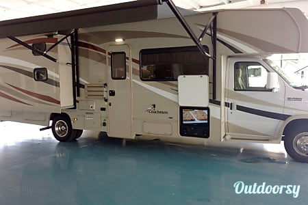 2018 Coachmen Leprechaun 310BH  Winter Garden, FL