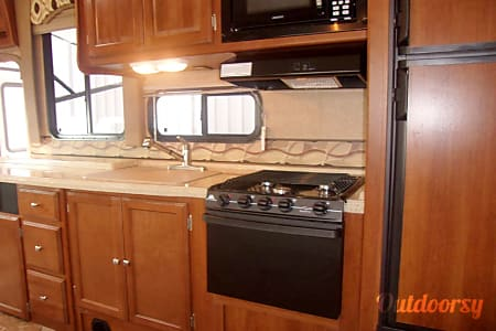 2018 Coachmen Leprechaun 319MB  Winter Garden, FL