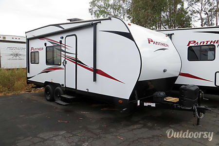02017 Pacific Coachworks Panther 24  CORONA, CA