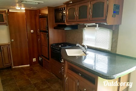 Coachman Freedom Express 29'  Greenfield, IN