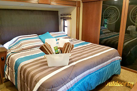 2015 Bay Hill, Staying in east Tennessee? I can deliver to your site,  with all the comforts of home!  Louisville, Tennessee