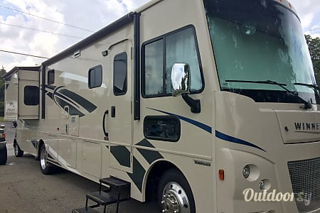 2018 Winnebago Vista  Middlefield, Ohio