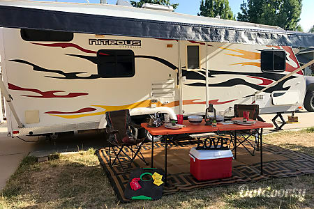 0**23' Nitrous Hyperlite Travel Trailer Toy Hauler**(sleeps 10)  Simi Valley, California
