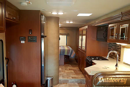 Thor Chateau - 31' Class C with Extra Storage  Riverview, FL