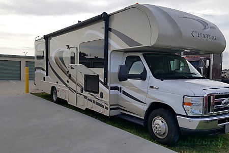 0Thor Chateau - 31' Class C with Extra Storage  Riverview, FL