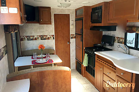 2011 Pacific Coachworks Tango  Saint Helens, Oregon