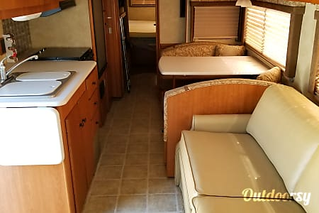 2008 Winnebago Sightseer  Patrick Air Force Base, Florida