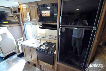 C-18 Coachmen Leprechaun 22' Class C  Cypress, TX