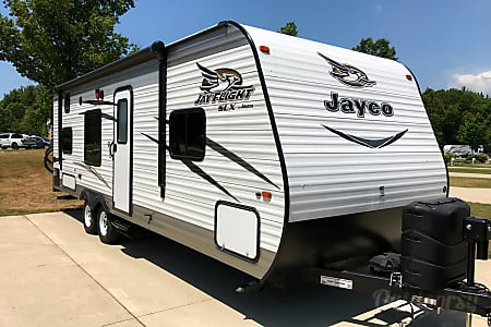 2016 Jayco Jay Flight  Cedar Springs, Michigan
