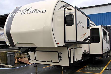 2017 Black Diamond 363RBW  Burlington, WA