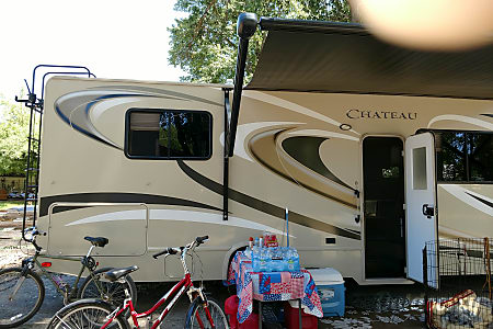 02016 Thor Motor Coach Chateau  Manteca, CA