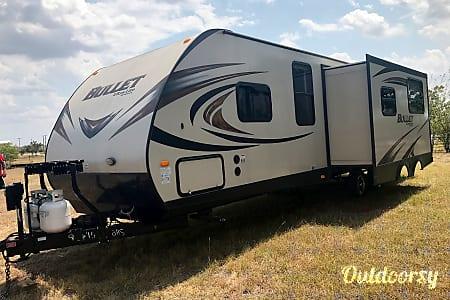 02015 Keystone Bullet Ultra Lite  Round Rock, TX