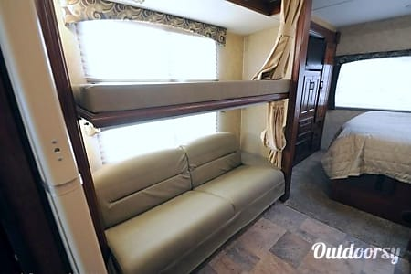 FAMILY VACATIONS HAVE NEVER BEEN BETTER! 2014 Forest River Sunseeker 3170DS  Millstone, New Jersey