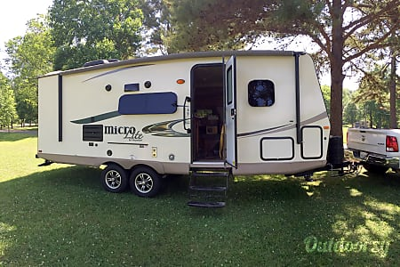0Book for Balloon Fiesta / 2016 Micro Lite Adventure Camper  Albuquerque, NM