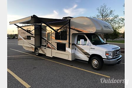 02017 Thor Motor Coach, 30' Freedom Elite, Bunkhouse  O'Fallon, Illinois