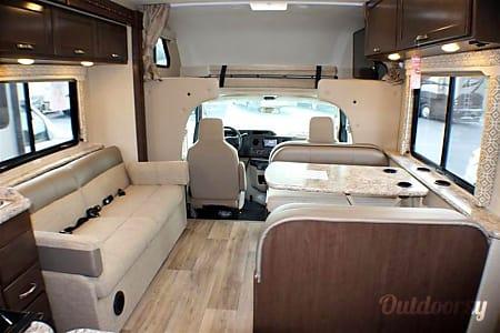 2017 Thor Motor Coach 31' Freedom Elite  O'Fallon, Illinois