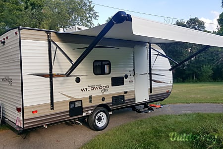 0Awesome 2018 Travel Trailer - SUV, Mini Van, Crossover and Truck Towable – Perfect for 2-5 people  Commerce Charter Township, MI