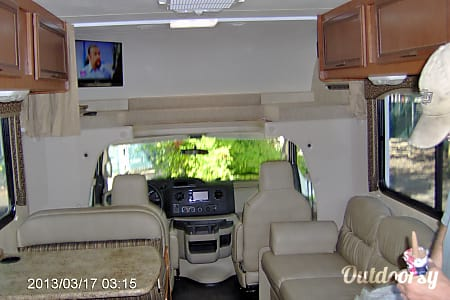 2013 Thor Motor Coach four winds  Portland, OR