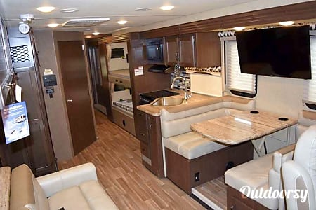 2016 Thor Motor Coach A.C.E  Ormond Beach, Florida