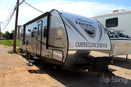 2018 Coachmen Freedom Express 28  Special Edition  Buda, TX