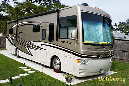 02013 Thor Motor Coach Palazzo  Palm Bay, FL