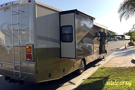 2008 Fleetwood Bounder  Perris, California
