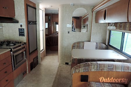 2007 Winnebago Outlook  Tallahassee, Florida