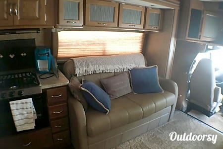 2015 Coachmen Concord  Winter Garden, Florida