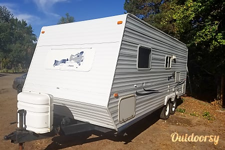 Beautiful 21ft Travel Trailer , Perfect shape and Easy to pull with Anything!  Hillsboro, Oregon