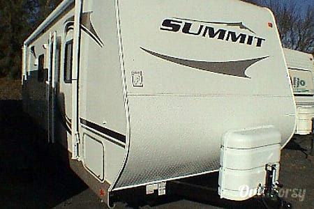 2008 Thor Motor Coach Summit  Riverside, California