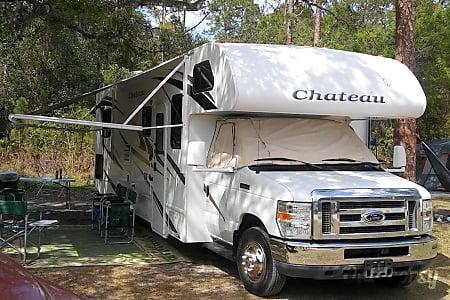 Class C Thor Chateau 31' - Sleep 6  Hollywood, Florida