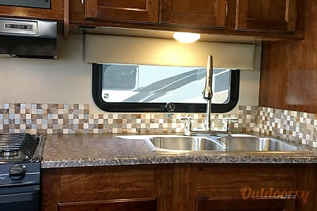 Brand New and Luxurious 27 foot 2017 Coachmen Pursuit  Carlsbad, California