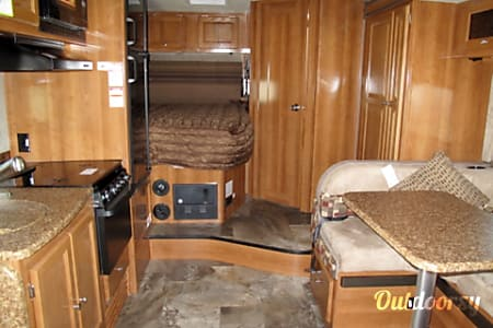 C-14 Coachmen Leprechaun 24'  Cypress, TX
