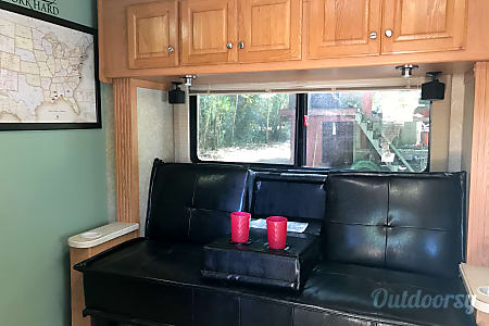 2006 Thor Motor Coach Chateau Citation  Baker, Florida
