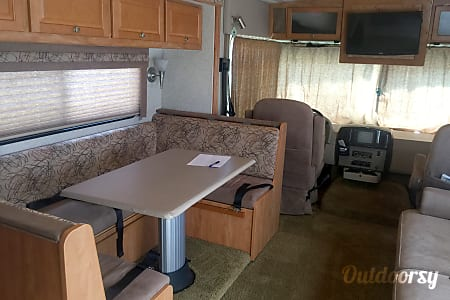 "2008 Winnebago Vista - ""Bessie"" The Sweet Family Wagon you'll fall in love with!  Poquoson, Virginia"