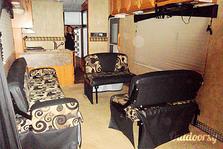 02007 Keystone Raptor Toy Hauler Sleeps 8-9 Large Garage 12 feet height & 14/18 foot garage.  Loxahatchee, Florida