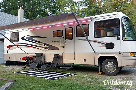 1999 Tiffin Motorhomes Allegro Bay  Bluffton, Indiana