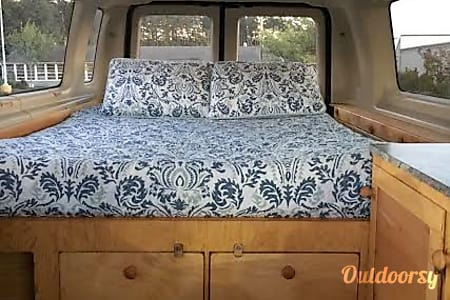 0Van Gogh, the 2004 Ford E350 Extended Cab  Eugene, OR
