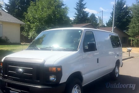 02011 Ford Econoline 150  Redmond, OR