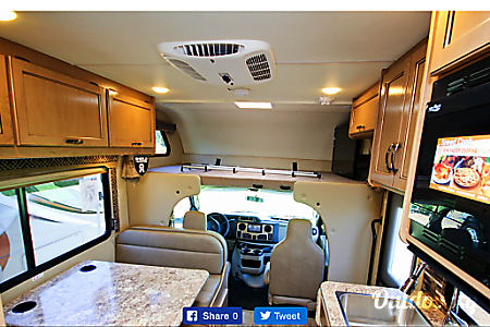 02017 Thor Motor Coach Freedom Elite  Tangent, Oregon