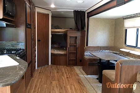 02016 Jayco Jay Flight  Jourdanton, Texas