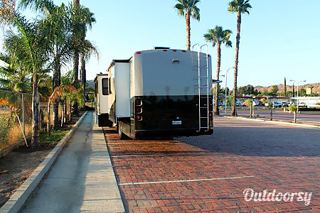 2000 Southwind Storm Freshly Painted Upgraded with Luxury and Convenience  Pomona, California